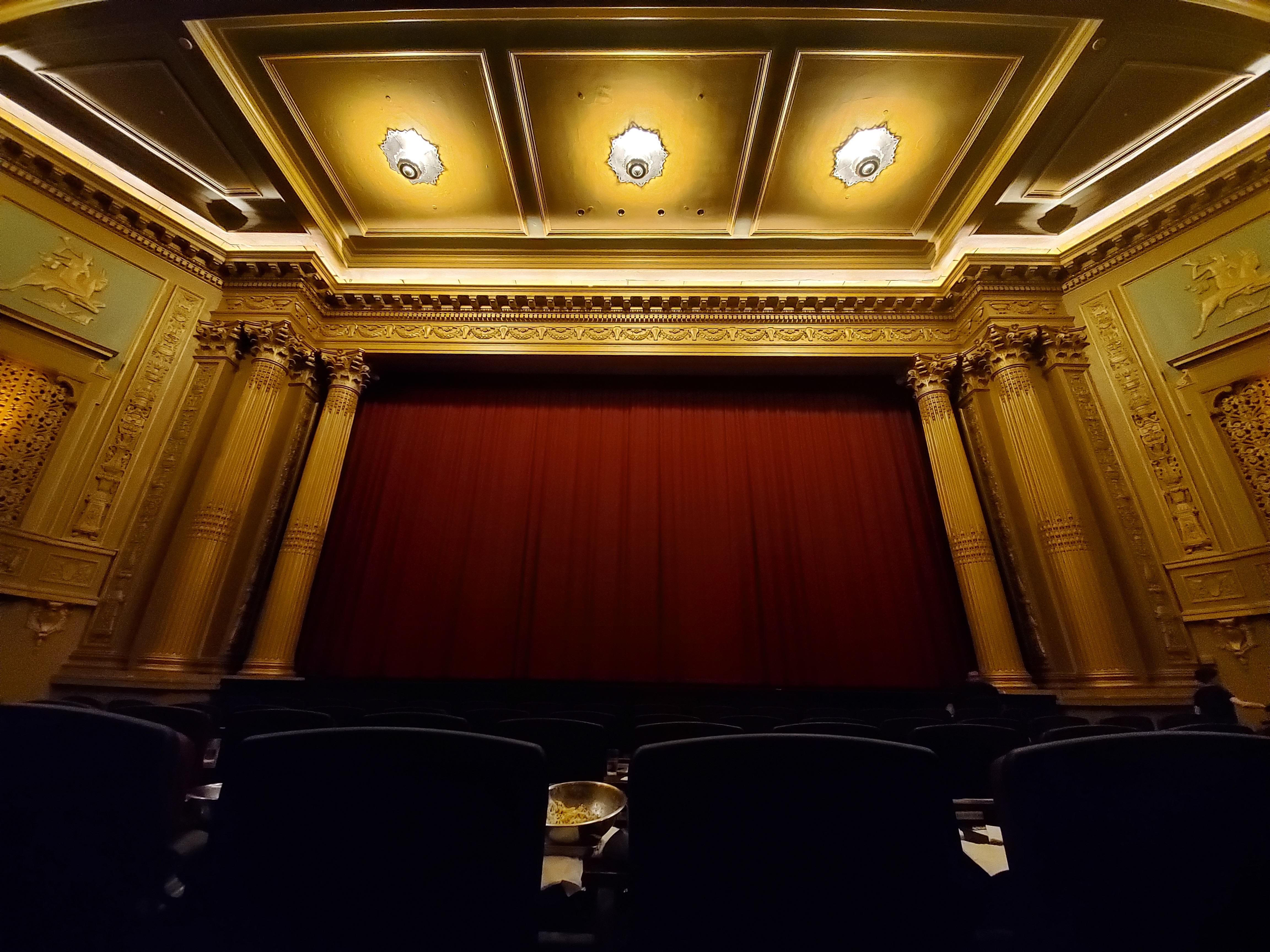 alamo-theater-wide-galaxy-s10e
