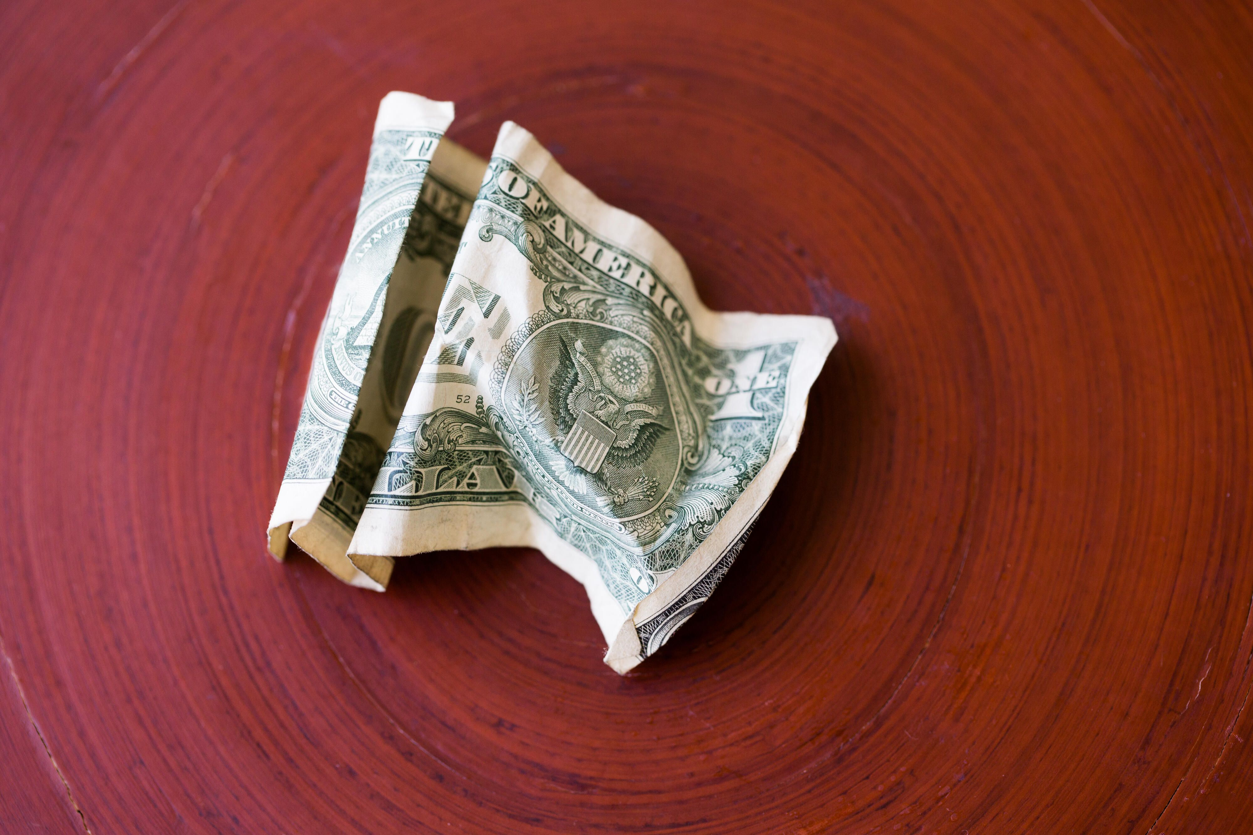 money-cash-dollar-economy-recession-2904