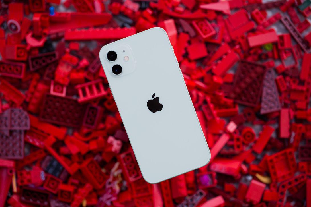 apple-iphone-12-9902